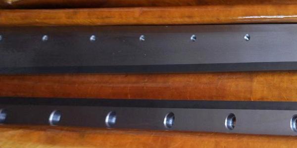 钨钢裁切刀运作时注意事项有哪些?
